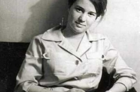 Ulrike Meinhof antes de formar parte de la RAF